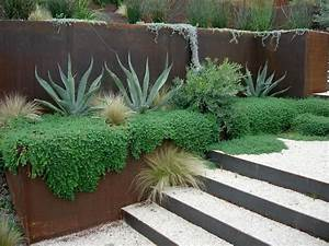 les 25 meilleures idees de la categorie acier corten sur With photos terrasses et jardins 18 clatures de jardin en 59 idees captivantes