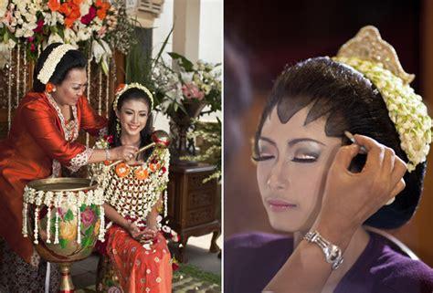 Primbon Wanita Datang Bulan Menurut Hari Ini 5 Waktu Paling Ampuh Yang Bikin Pernikahanmu Awet