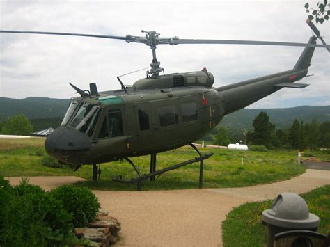 File:Huey helicopter IMG 0435.JPG - Wikipedia