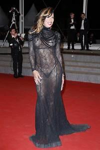 Stella Rocha da la nota con un vestido transparente en Cannes