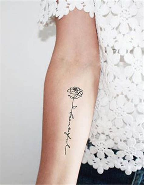 tatouage de plante fleur tatouages tattoo pinterest