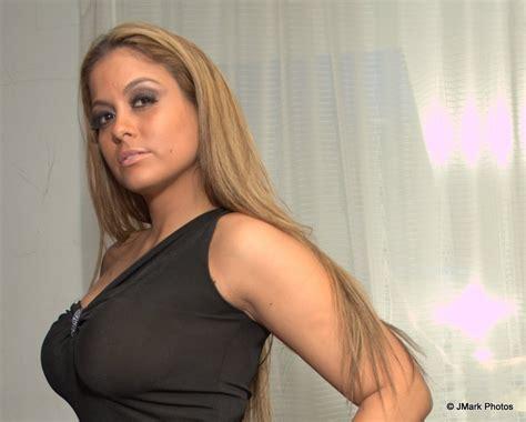 Gloria Velez Bio, Net Worth, Father, Relationship, Married ...