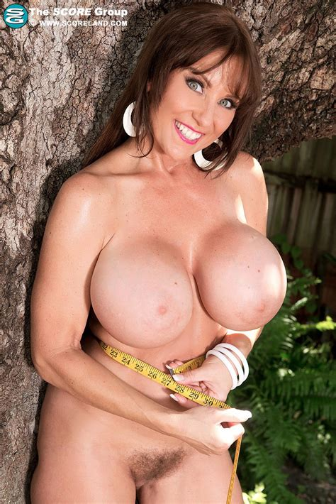 Milf Shelby Gibson Showing Her Massive 34hh Tits Photos