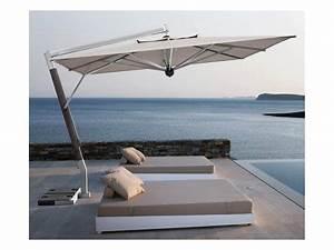Sonnenschirm mit seitenarm f r terrasse idfdesign for Sonnenschirm terrasse
