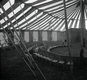 Black and white circus tent | The Night Circus ...