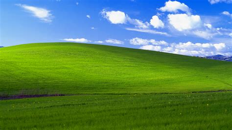 post it windows 7 bureau windows xp quot bliss quot background recreated in minecraft
