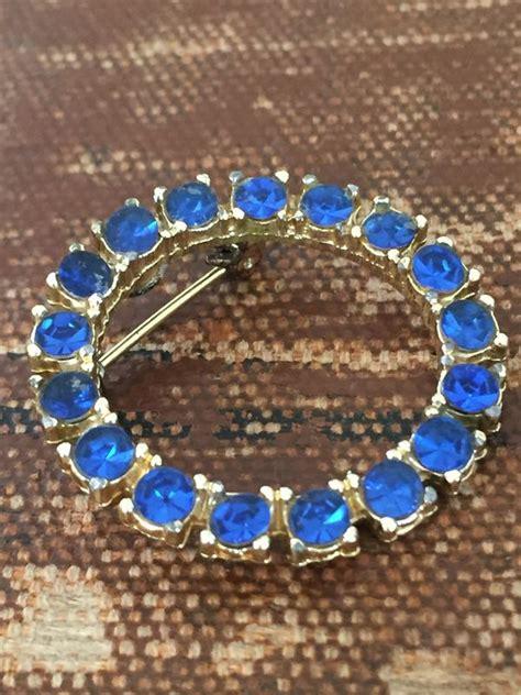 rhinestone circle brooch sapphire blue vintage renude