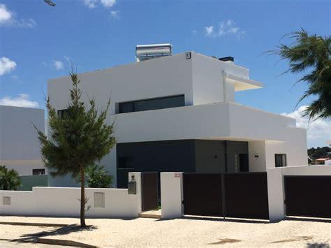 villa moderne avec piscine et terrasse pr 232 s de la baie d obidos monde 1204165 abritel