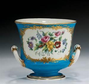 Cache Pot Bleu : antique sevres style cache pot richard gardner antiques ~ Teatrodelosmanantiales.com Idées de Décoration