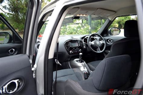 nissan juke review  juke st  wd manual
