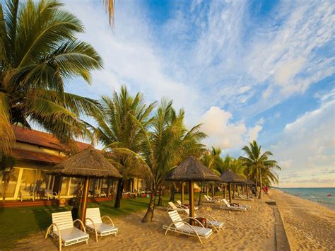 Famiana Resort And Spa In Phu Quoc Island  Room Deals. Crown Promenade Hotel. Spicy Oasis. Secrets The Vine Cancun Resort And Spa. Addo Palace Bush Lodge. Altos Los Pioneros & Spa Hotel. Zamek Topacz Hotel. The Grosvenor Hotel. Pegaz Hotel