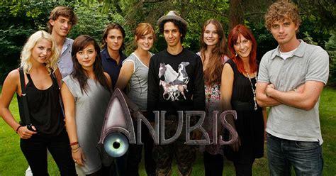 is het huis anubis echt hoe gaat het nu met de cast van het huis anubis foto s