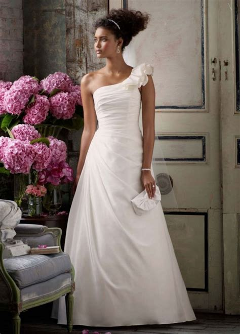 Affordable Wedding Dresses Discount Wedding Dresses Glamour