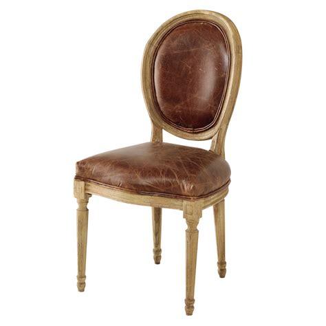 chaise medaillon en cuir  chene massif marron louis maisons du monde