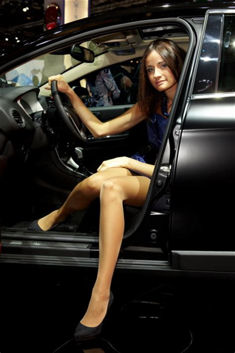 paris motor show  car babes autogeeze latest