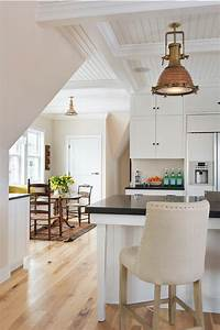 East Coast Style Beach Cottage - Home Bunch Interior