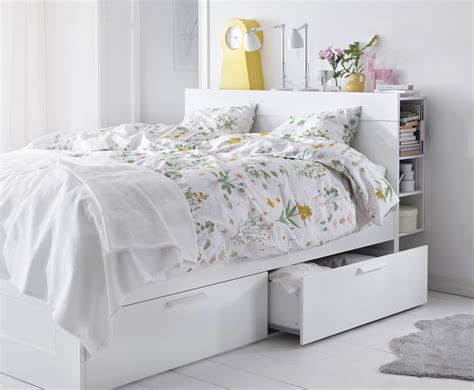 canapé rapido ikea soluciones para decorar y organizar un dormitorio pequeño