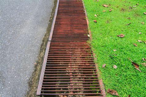 Drainage  Verlegen Und Kosten  Für Haus Und Keller