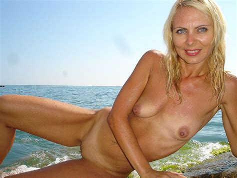 Sexy Blonde Milf Posing Naked On A Nude Beach