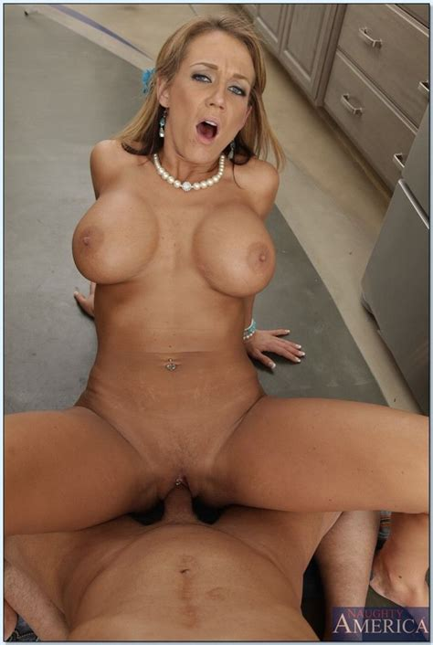 Nikki Sexx rides cock in the kitchen and shows big tits - Pichunter