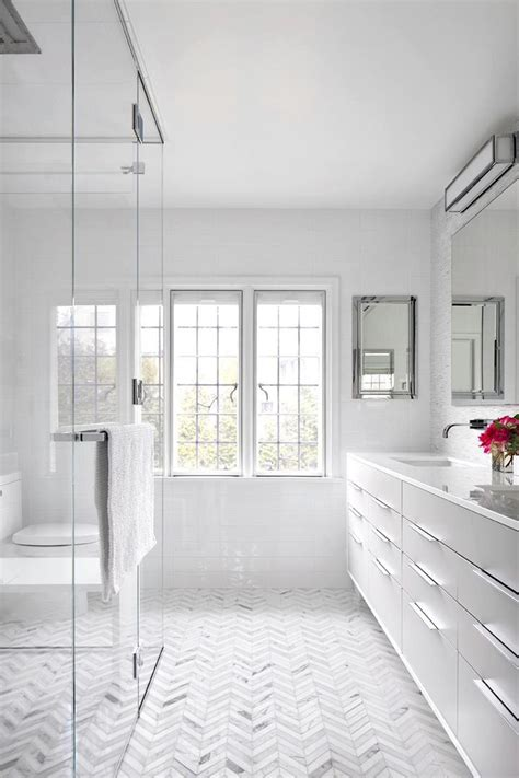 White Bath by 11 Bright White Bathrooms Master Bath Bathroom Modern