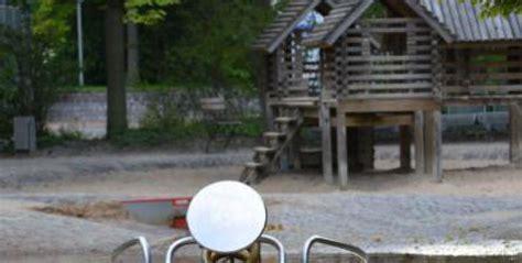 Britzer Garten Milchbar by Wasserspielplatz Im Britzer Garten Wasserspielpl 228 Tze