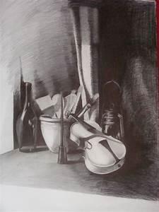 Lampe Schwarz Weiß : stilleben lampe schwarz wei bleistiftzeichnung geige von boreyko bei kunstnet ~ Frokenaadalensverden.com Haus und Dekorationen