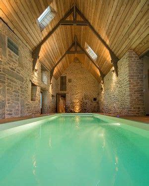 comment nettoyer une chambre d h el les 25 meilleures idées de la catégorie piscine intérieure