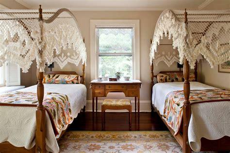 colonial bedroom furniture colonial bedroom decor