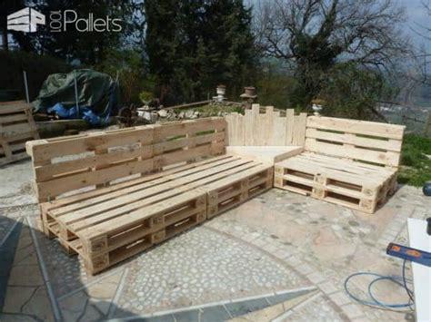 Divano Pallet Usato : Outdoor Pallet Sectional Set / Maxi Divano Fatto Con I
