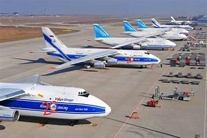 Images Airplane Transport aircraft Antonov An-124 Ruslan ...