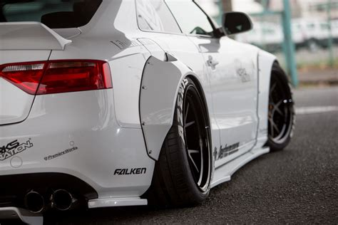liberty walk  tuning kit von godzilla motorblock