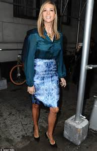 melania wedding ring she 39 s coming up roses ivanka is the business in a blue and white floral optical illusion