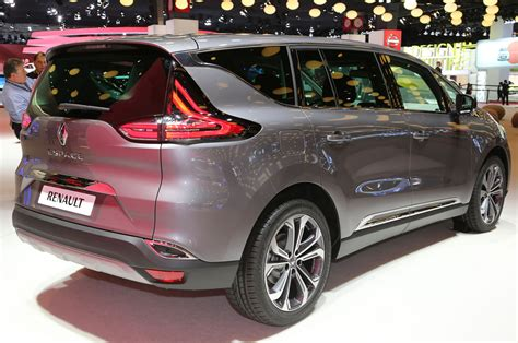 renault reno renault shows off production ready espace crossover in paris