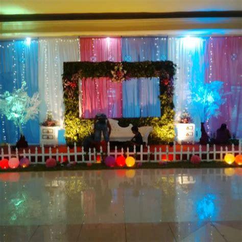 dekorasi kursi gereja dekorasi pernikahan surabaya