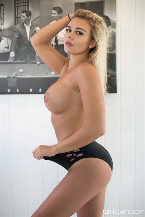 Tahlia Paris Looks Awesome In Her Black Lingerie
