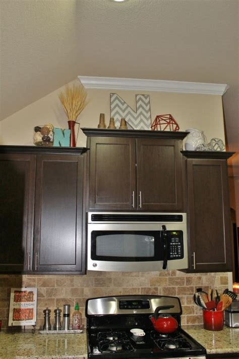 fill   kitchen cabinets   redecorate