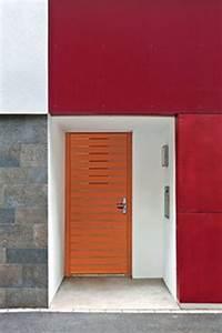 porte d39entree et de garage laquelle choisir cote maison With porte entre garage et maison