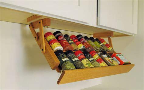 rangement coulissant pour cuisine étagère à épices pimentez la déco de votre cuisine