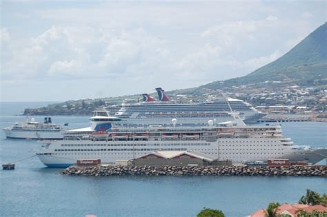 SKNVibes | 280000 Cruise Passengers Visited St. Kitts During First Three Months Of 2012