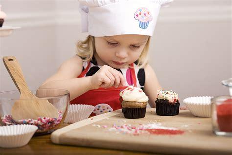 cuisiner avec enfants cuisiner avec des enfants recettes faciles pour enfants