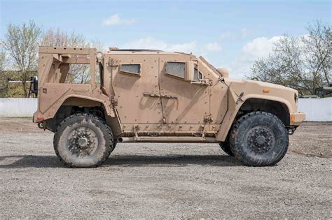 Replacement For Humvee by Oshkosh Jltv Drive Review Motor Trend