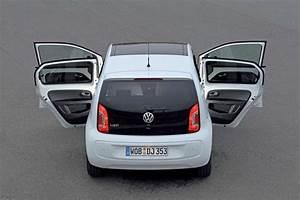 Dimension Volkswagen Up : volkswagen up prezzo e dimensioni anche 5 porte e ~ Medecine-chirurgie-esthetiques.com Avis de Voitures