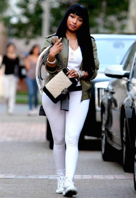 Nicki Minaj in casual outfit | street style | celebrity fashion | nicki minaj | Pinterest ...