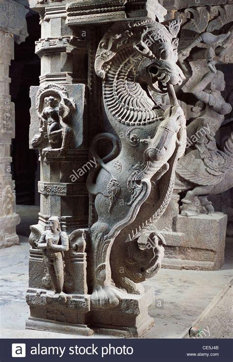 yali statue  thousand pillor hall  meenakshi temple