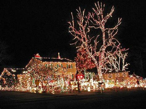 elegant outdoor christmas decorating ideas  lamp