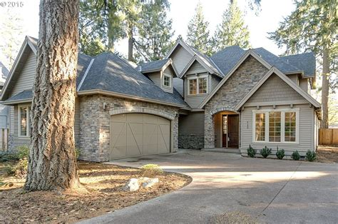 Best 25 Gray Exterior Houses Ideas On Pinterest Grey House