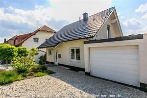 Einfamilienhaus Mit Garage : neuwertig und freistehend einfamilienhaus mit garage in ~ Lizthompson.info Haus und Dekorationen