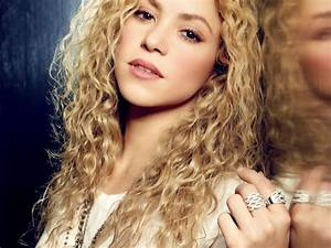 Shakira Hot Colombian Singer And Dancer HD Wallpaper 2015
