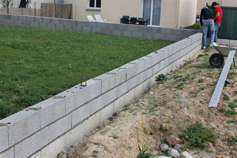 construire une cloture en parpaing plantes et jardins